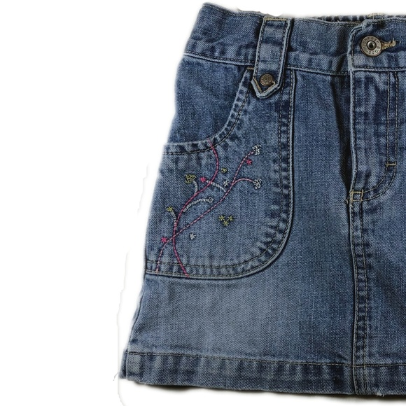 OshKosh B'gosh Other - OskKosh Embroidered Denim Mini Skirt